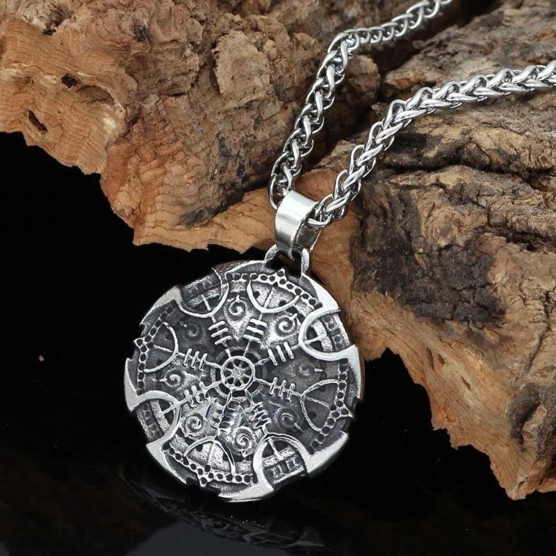 Dans quelle situation porter un collier Viking ?