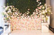 Comment coller un mur de fleur artificielles ?